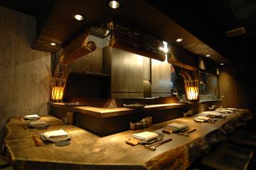 地鶏焼 とりや 新宿総本店(ジドリヤキトリヤ シンジュクソウホンテン) - 西新宿 - 東京都(鶏料理・焼き鳥)-gooグルメ&料理