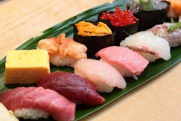 [高級寿司食べ放題実施中]ぎんざまぐろや 築地店
