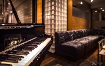 生演奏 Piano Salon 桃