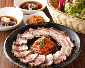 焼肉・韓国料理 KollaBo(コラボ) 六本木店
