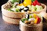 ■旬の野菜は取り放題。蒸篭で蒸すと甘味が増します■