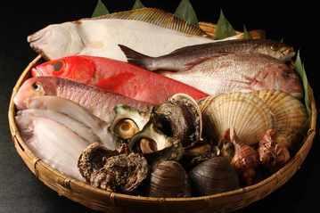 """""""谷根千""""で旬の魚料理が食べられる「魚貝三昧 彬」"""