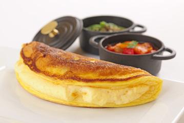 スフレ状のふわふわオムレツが絶品 行列ができるほどの人気のフレンチレストラン