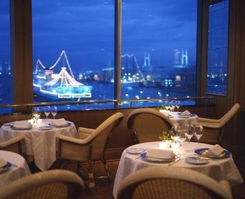横浜の景色を一望しながら味わう、伝統的フランス料理「ル・ノルマンディ」