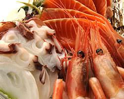 どや盛りお刺身 きんぴら(ドヤモリオサシミキンピラ) - 白石 - 北海道(居酒屋,海鮮料理)-gooグルメ&料理