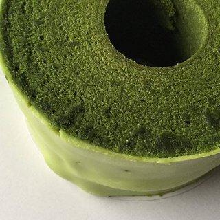 京都の老舗茶屋が「丸久小山園」が厳選した抹茶だけを使った「究極のバウムクーヘン」