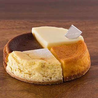 チーズケーキ専門店の人気の4種類を一度に味わうことができるアソートチーズケーキ