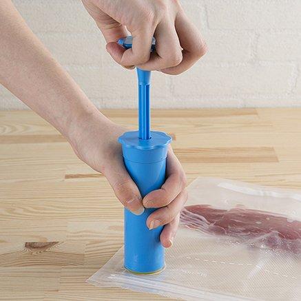 あるとないでは大違い!食品の保存が飛躍的に良くなる調理も革新の真空ポンプ付保存袋