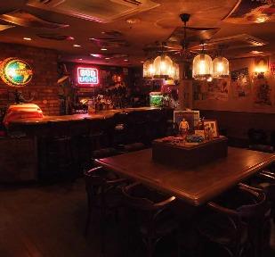 KONISHIKIが現役時代から通う洋風居酒屋 ハワイの焼きそばをぐっさんが堪能
