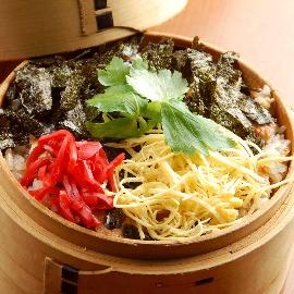 広島県産の穴子料理も 定番「特製穴子御飯」はお持ち帰りも可
