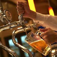 ビアマイスターが注ぐ「樽生ビール」