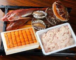 【自慢の魚介】 市場や産地から旬の海鮮を仕入れご提供!