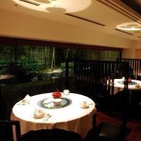 お席とお席の間隔も広く、 ごゆっくりお食事をお楽しみ頂けます