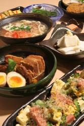 手作り沖縄料理の数々!