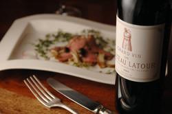 300種のワインと楽しむ様々な新イタリア料理を楽しむ