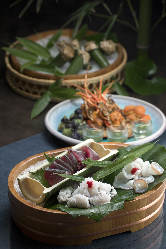 地元で獲れる新鮮な魚貝類をお楽しみ下さい。