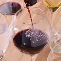 種類豊富なワインを揃えています。