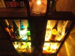 各地のお酒を飲める、落ち着いた雰囲気。。。