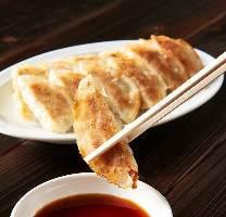 ◆食べ放題◆ TVやSNSで話題!シカゴピザなどチーズ料理が豊富