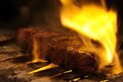 国内産牛イチボ肉のステーキ