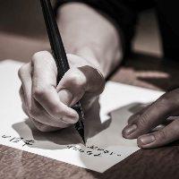 毎日心を込めて手書きのメニュー作成しております。