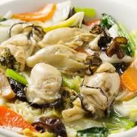 中華と一緒に牡蠣も楽しめる贅沢コースもご提供。