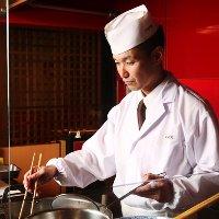 揚げたての天ぷらを一つ一つ お席までお持ちいたします。