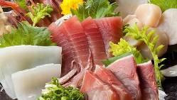 【旬鮮魚】 オーナー自ら横浜市場で目利きする新鮮魚介は必食!