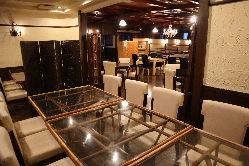 個室・座敷・テーブル様々なお席をご用意しております。