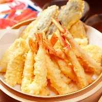 新鮮な魚介類を使ったお寿司も食べ放題!お腹いっぱい召し上がれ