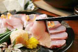名物「能登牡蠣」は、美酒蒸しや焼き牡蠣、フライなどでご提供