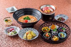 ◇2階:楽精庵 京都の数寄屋造りをイメージした、風情ある和個室