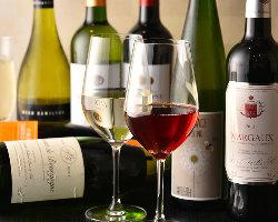 [江戸前鮨×ワイン] 厳選ワインがテーブルを華やかに演出♪