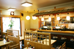 寿司カウンター。