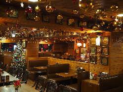温かみのある広々とした店内は 60名様までのご宴会等に最適!