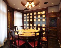 全部屋完全個室に加えて、 円卓個室もご用意可能。