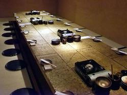 大人数の宴会にピッタリ♪ 一つのテーブルを囲んで。