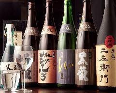黒龍、醸し人九平次など料理に合わせた店主厳選の日本酒。