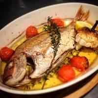 小鯛とオリーブオイルのオーブン焼き 熱々のフワフワの鯛です!
