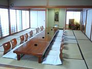 落ち着ける広い和室。