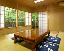 """落ち着いた空間。日本ならではの""""和""""をご堪能下さい。"""