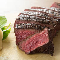【A5ランク】 柔らかで旨味が溢れる極上肉を厳選してご用意