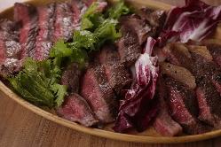 牛・岩中豚・ラム 鶏・鴨など様々な肉メニューがございます!