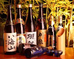 定番のお酒から季節限定酒までご用意しております。