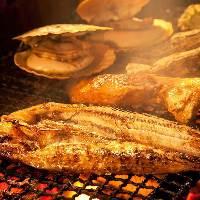 炉端で豪快に焼きます!!肉も魚も一緒に!!!