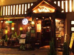 11:30~朝5:00迄営業!カフェ・居酒屋・BARと多彩に楽しめます