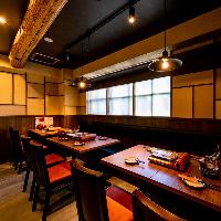 【テーブル席】 テーブル席を繋げて最大12名様まで可。