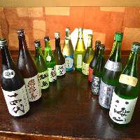 日本酒を飲み易い一合瓶で取り揃えました。毎日色々なお酒を入荷