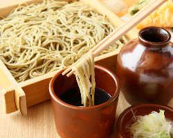 【蕎麦】北海道より直送し職人が毎日作る自家製蕎麦です。