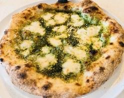 季節野菜とソーセージのラクレット